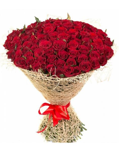 Bouquet of 101 red roses: delivery of flowers in