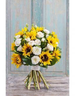 Bouquet of white roses and sunflowers | Sunflowers flowers