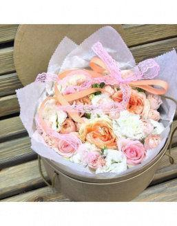 Gentle peonies in a round decorative box | 25 flowers