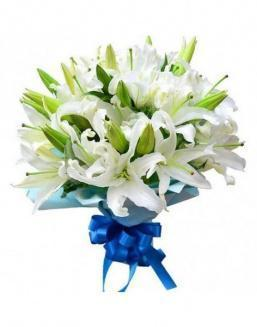 Bouquet of 15 white lilies | 15 flowers flowers