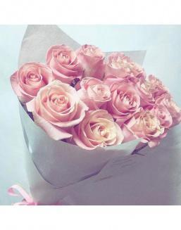 Bouquet of pink roses | Flowers on Knowledge Day