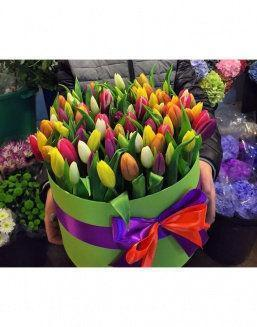 Chic tulips in hat box | Flowers for Wedding flowers