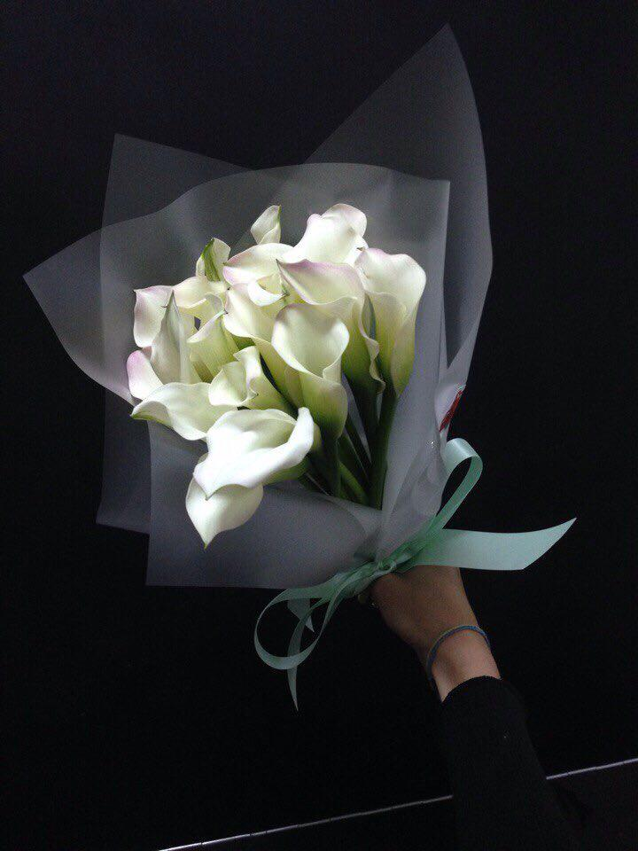 Bouquet of 15 white callas